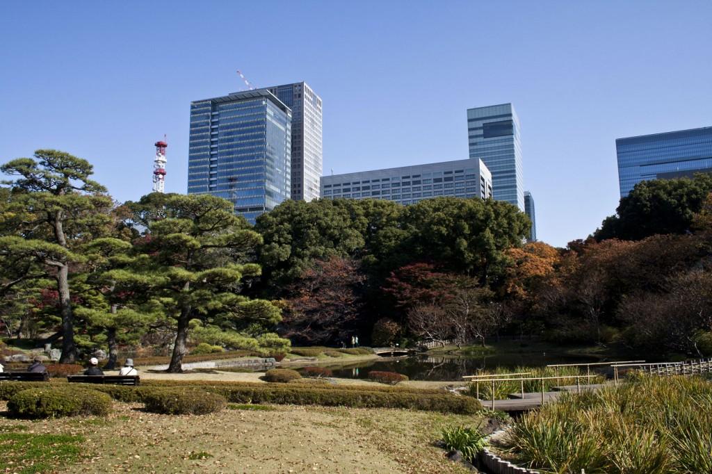 Garten am Rand des Kaiserpalasts mitten in Tokyo